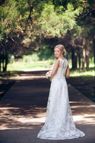 Лёгкое свадебное платье.