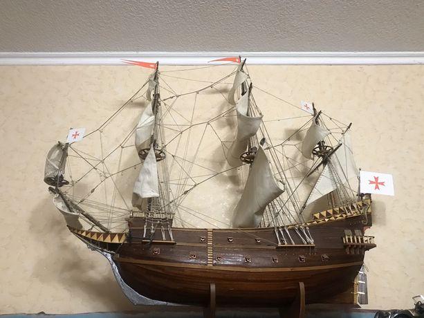 Сборная модель корабля из дерева ручная работа