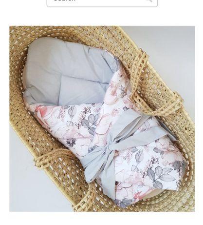 Nowy rożek dla niemowlaka piekny wzór