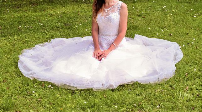 Suknia ślubna koronka litera A 36