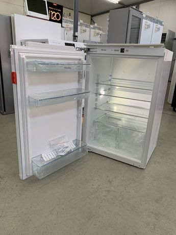 Вбудовиний холодильник Miele K 32222 Germany