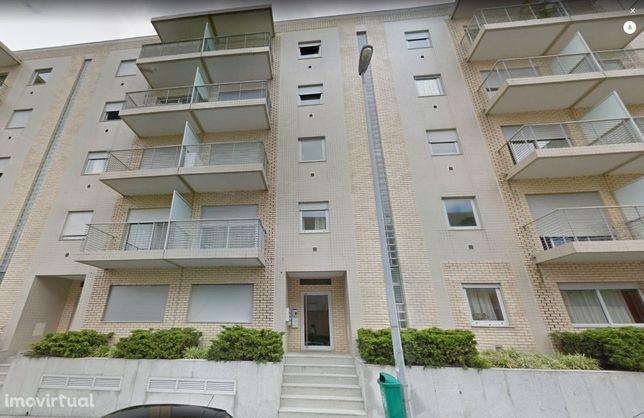Apartamento T3 +1 para arrendamento - próximo do Hospital de São João