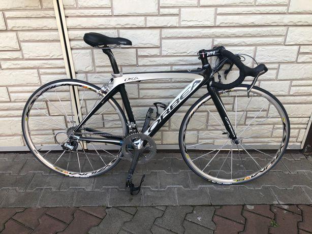 Карбоновый шоссейный велосипед ORBEA Orca Black.