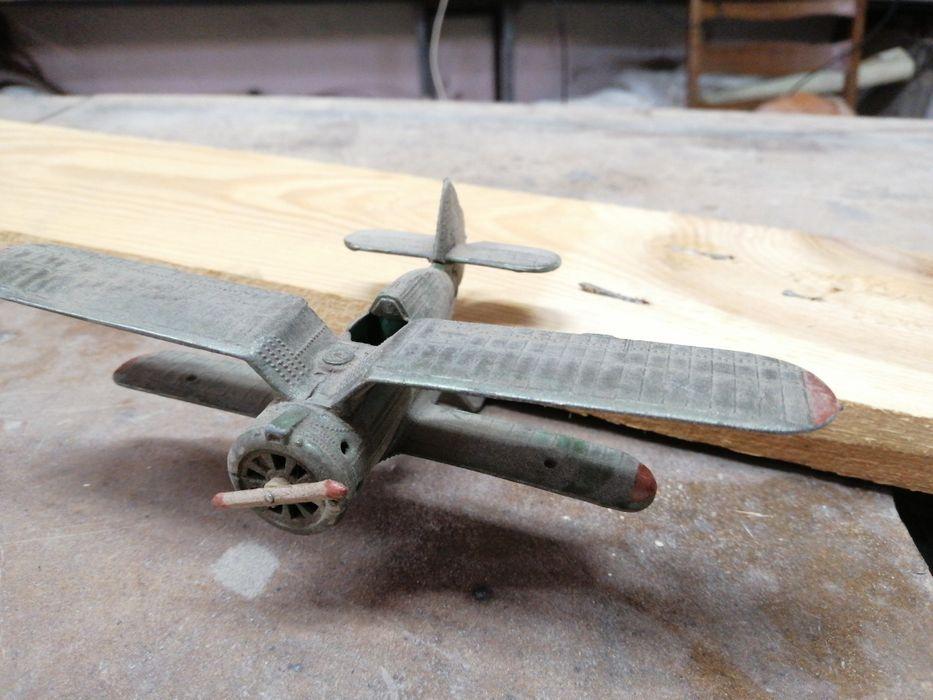 Винтажная игрушка модель самолёта из металла Васильков - изображение 1