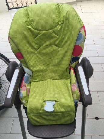 Cadeira de bebe para refeicoes