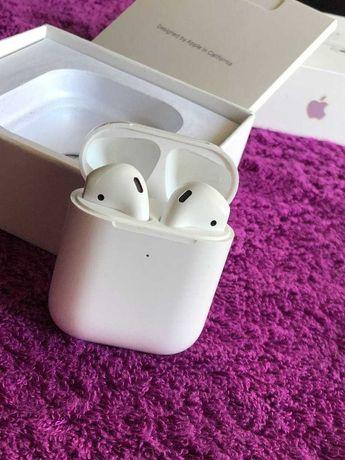 Продам Apple AirPods 2 , идеальное состояние