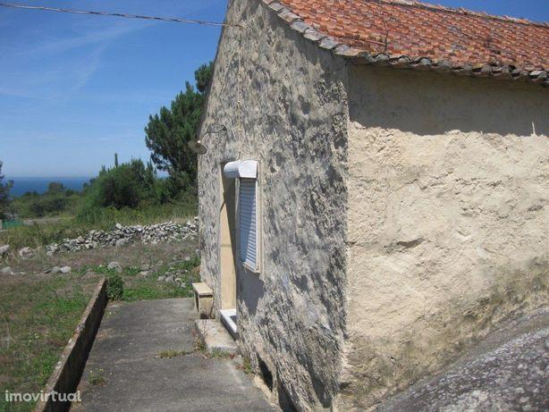 Moradia T2 para recuperar em Viana do Castelo
