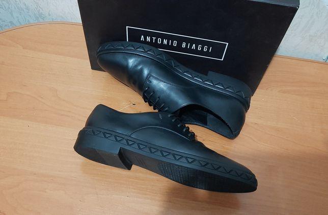 Шкіряні туфлі Antonio Biaggi