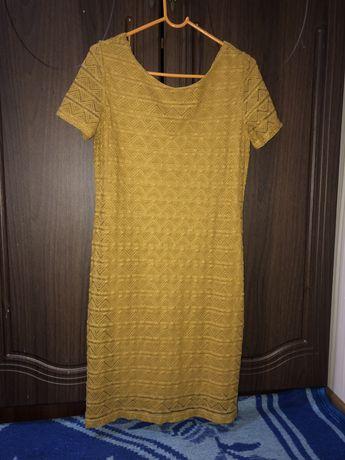 Платье кружевное 42