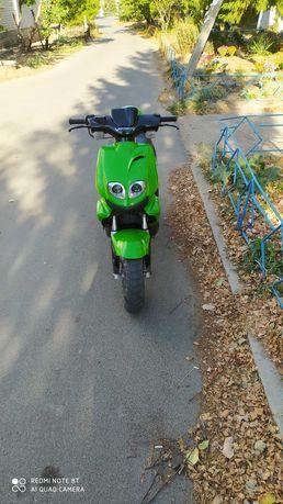 Продам скутер Viper Booster