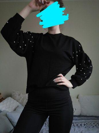 Czarna bluza bez kaptura z perełkami