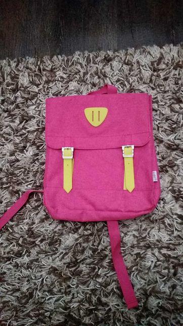 Продам рюкзак для путешествий, прогулок, для девочек.