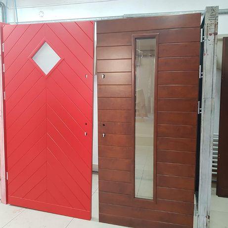 Góralskie, folkowe drzwi w kolorze RAL ( grubość 75 mm ) DREWNIANE
