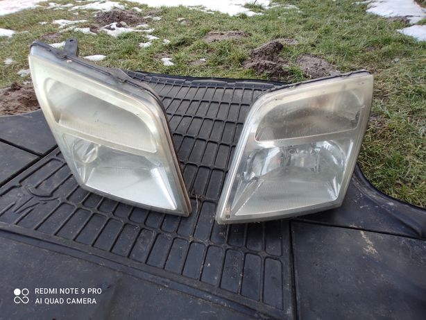 Ford connect 2001- 2013 Lampa reflektor prawy lewy przód