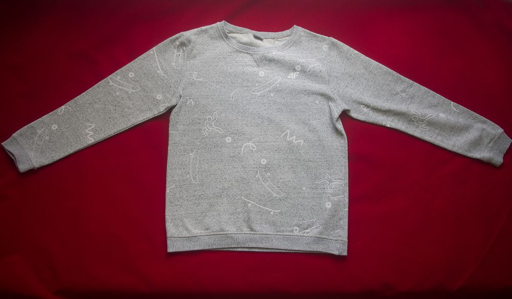 Bluza 4f młodzieżowa/damska rozmiar 158 Kielce - image 1