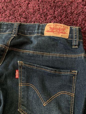 Jeans levis.
