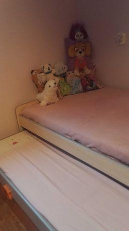 Łóżko dziecięce, podwójne wysuwane z materacami