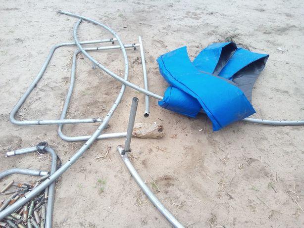 Pozostałości po trampolinie