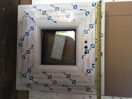 Okno uchylne 380x380