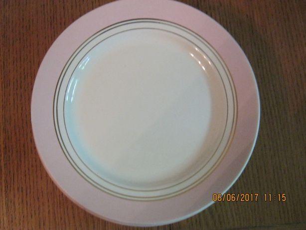 Тарелки Ǿ 18 см есть 6 шт