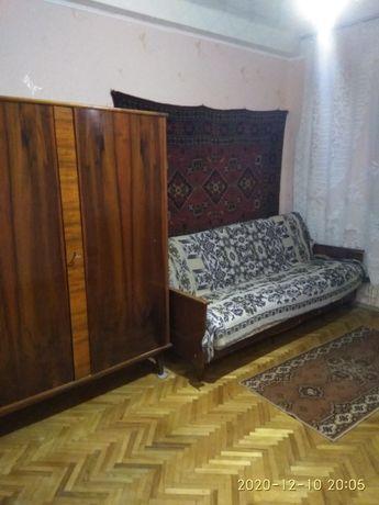 Комната для девушки в трех комн. кв.ул.Златопольская 4к, 3000 грн
