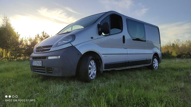 Opel Vivaro long osobowy