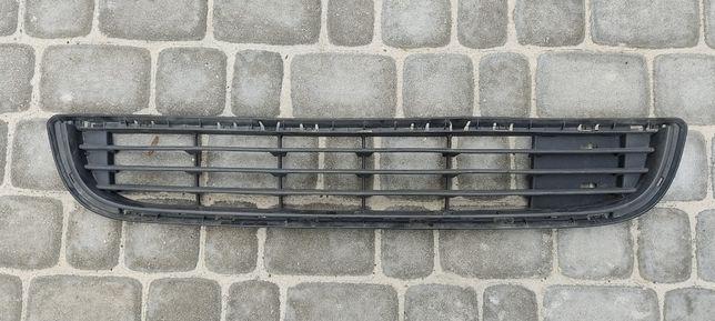 Решетка бампера Peugeot Partner Citroen Berlingo B9 9677662180