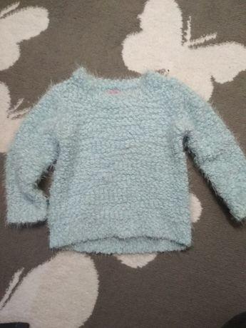 Sweterek F&F włochaty