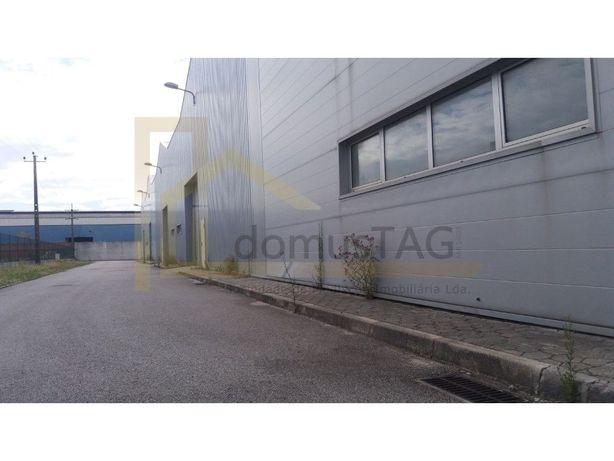 Armazém - Zona Industrial de Taboeira