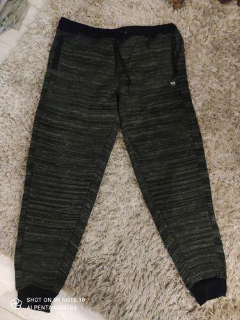 Spodnie joggers rozm. XL/XXL