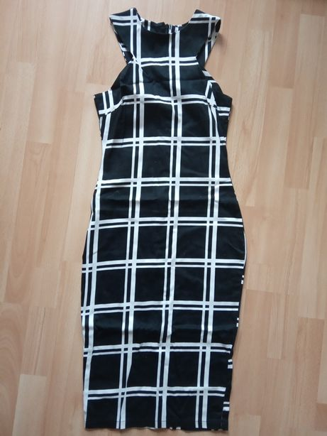 Sukienka czarna w dużą kratę