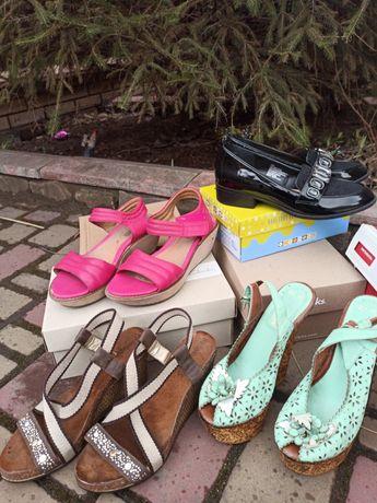 Лот обуви Clarks, Inblu, George 37 размер стелька 24 см