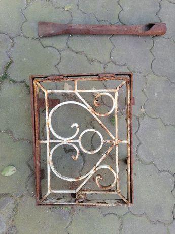Двері до каміну і льодоруб