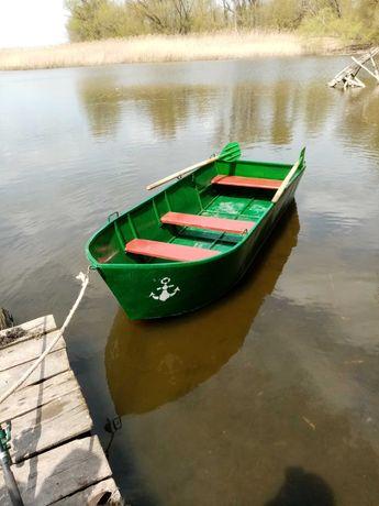 Лодка металева..