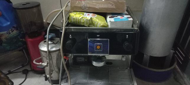 Maquina café proficional e moinho