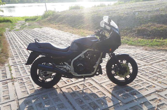 Honda VF 1000F SC15