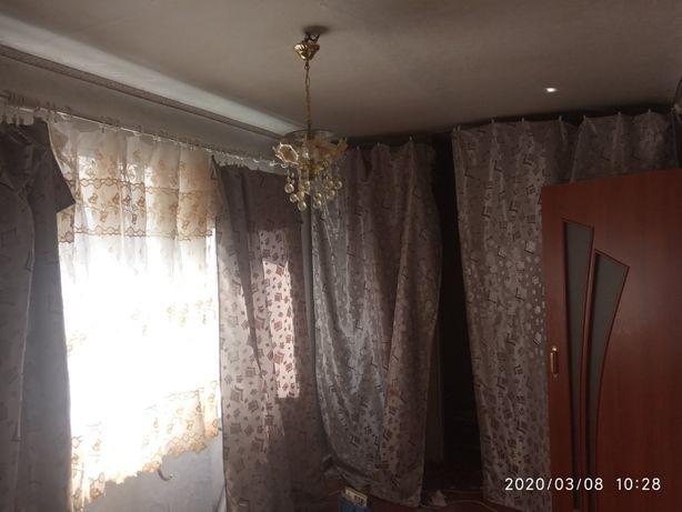 2-х комнатная квартира , центр Северска , у рынка , ул. Молодежная.