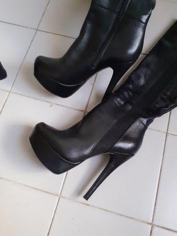 Vendo botas em.pele pretas como novas da Aldo tamanho 37...e botins