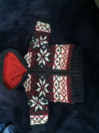 Zimowy sweterek świąteczny wzor