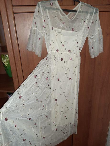 Плаття бежевого кольору