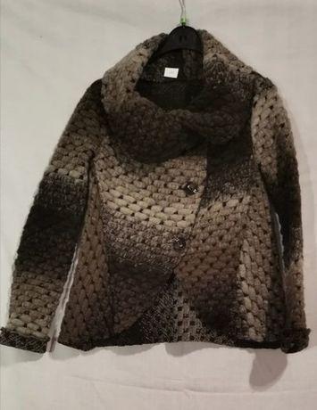 Sweter z wełny czesanej