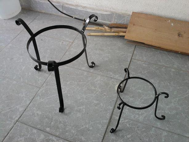 Suportes em ferro para vasos (novos)