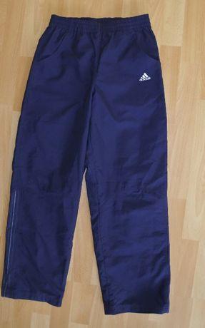 Adidas rozmiar 152 spodnie dresowe dziewczęce