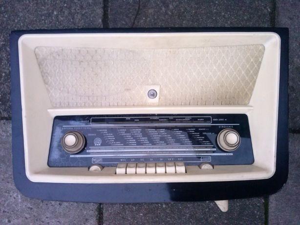 Radio ZRK Tatry 3281, zabytek, lata 50-te XX wiek, 200 zł.