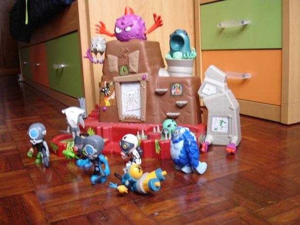 Castelo de Brincar C/Bonecos