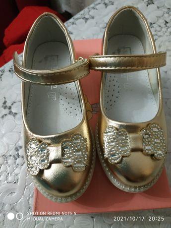 Продам детские туфельки Том.М.