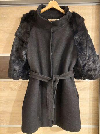 Пальто и перчатки