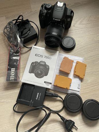 Фотокамера Canon EOS 700D