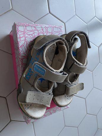 Продам детские летние сандалики в хорошем состоянии