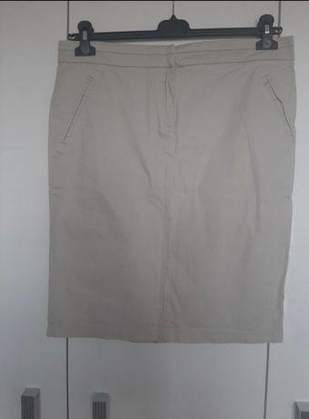 Beżowa ołówkowa spódnica